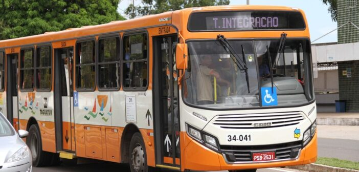 São Luis: 3º dia sem ônibus, Justiça convoca audiência entre empresários e rodoviários para este sábado